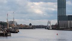 Molecule Man (schmidtvossloch) Tags: berlin spree moleculeman travel boote sky clouds