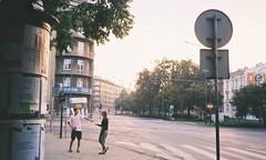 dance with  me (Rozentalia) Tags: olympusxa2 streetphoto 35mm people