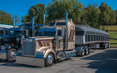 Kenworth W900 (NoVa Truck & Transport Photos) Tags: kenworth w900 ja trucking new columbia pa classic truck big rig 18 wheeler 2017 large car mag southern ta lexington va
