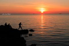 Rischio (Antonio Ciriello PhotoEos) Tags: sanvito taranto puglia italia italy apulia mare sea seascapes landscapes sole sun sunset tramonto nature natura canon canoneos5dmarkiv 5dmarkiv 5d eos5dmarkiv canon5dmarkiv clouds nuvole