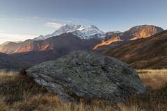 Il masso (cesco.pb) Tags: simplonpass passodelsempione switzerland svizzera alps alpi canon canoneos60d tamronsp1750mmf28xrdiiivcld montagna mountains alba dawn sunrise