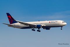 N199DN Delta Air Lines Boeing 767-332(ER)(WL) MSN 28456 ln 690 (Florent Péraudeau) Tags: n199dn delta air lines boeing 767332erwl msn 28456 ln 690 er wl 767 763 300 b767