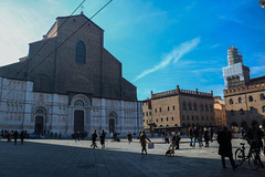Sunny Day in Bologna (Zor.annie) Tags: bologna piazza maggiore day daylight sunny sun midday