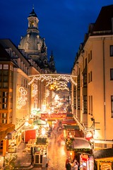 Merry Christmas (Max' Photos) Tags: gold blue cityscape city light people christmasfair christmas night evening bluehour thebluehour germany saxony dresden