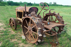Rusty Tractor (Richard Melton) Tags: tractor rust farm equipment columbia tennessee antique