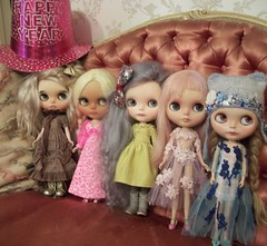 Cheers for a New Year.... (simplychictiques) Tags: blythedolls blythe hobby collection happynewyear 2019uponus faceup ooakcustomizedblythedolls dollphotography spokanewashington