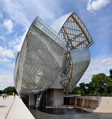 Frank Gehry's masterpiece (Valantis Antoniades) Tags: paris france modern frank gehry louis vuitton foundation