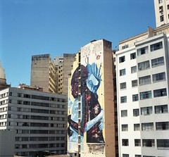 img114 (Buenos Aires loucoporanalogicas) Tags: yaschica mat 124 g b kodak ektar 100 belo horizonte