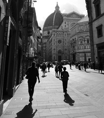 Approaching Il Duomo di Firenze / the Cathedral in Florence (Kumukulanui) Tags: duomo firenze florence cathedral italy monochrome flickrsbest shadows