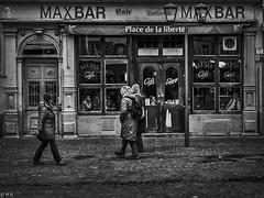 Heidelberg - Good old times (michaelhertel) Tags: heidelberg deutschland germany travel street people sw monochrome bw
