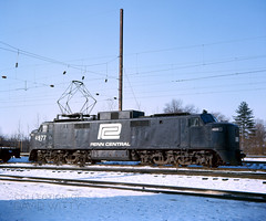 4977 At Morrisville (DJ Witty) Tags: newhaven nynhh electriclocomotive locomotive photography railroad rr penncentral conrail ep5 e40 ektachrome superslide