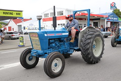 13USM (ambodavenz) Tags: ford 4000 tractor fairlie newyearsdayparade southcanterbury newzealand