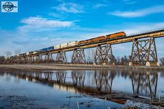 Westbound BNSF Intermodal Train at Sibley, MO (Mo-Pump) Tags: train railroad railfan railroader railway railroading railroads railfanrailroader locomotive bnsf bnsfrailway burlingtonnorthernsantafe burlingtonnorthernsantaferailway