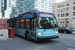 IMG_5151 (GojiMet86) Tags: mta nyc new york city bus buses 2018 xd40 7632 subway shuttle jackson avenue 42nd road