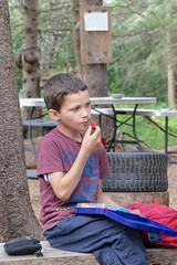 _MG_3350.jpg (joanna.mills) Tags: roachville tirnanog henry diabetesnb forestschool lunch livewell fruit healthyeating bienvivre eating