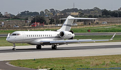 M-AHAA LMML 08-02-2019 AH Aviation Bombardier BD-700-1A10 Global 6000 CN 9525 (Burmarrad (Mark) Camenzuli Thank you for the 16.5) Tags: mahaa lmml 08022019 ah aviation bombardier bd7001a10 global 6000 cn 9525
