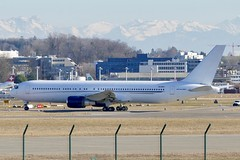 Boeing B767-300 Aeronexus ZS-NEX ZRH Zurich Airport Switzerland 2019 (roli_b) Tags: boeing b767 b767300 aeronexus zsnex zrh zurich airport switzerland zürich flughafen schweiz aeroport suisse aeropuerto suiza sivzzera aircraft airplane jet flugzeug flieger avion aereo aviacao aviation 2019 vip