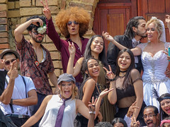 Alegría y Simpatía (diego.rzg) Tags: calipalmundo colombiapalmundo snapshotscali santiagodecali calicolombia calico cali colombia mirave colombiahd oís valledelcauca colombianas colombianos alegre alegres felices feliz felíz felicidad simpaticos simpáticos party partypeople funpeople people retroparty picoftheday diegogomez