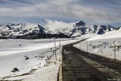Baqueira Beret (RobertoHerreroT) Tags: baqueiraberet valledearan catalunya cataluña snow nieve pirineos road carretera robertoherrerotardon