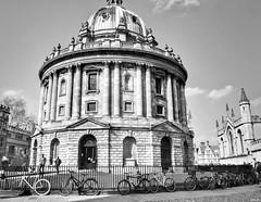 Oxford in monochrome! (Nina_Ali) Tags: blackandwhite monochrome architecture streetphotography england oxford