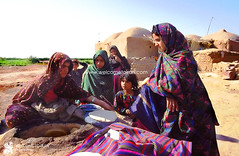 Gatkuiyeh (welcometoiran) Tags: iran persia iranian persian middleeast neareast foods bakedgoods baking bread breads clay female gatkuiyeh kerman oven people iranians persians person persons woman women child children welcometoiran welcometoirantours welcome working ir irantravelagency islamic beard makeiranmemory