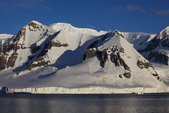 IMG_6885 (y.awanohara) Tags: cuvervilleisland cuverville antarctica antarcticpeninsula icebergs glaciers blue january2019
