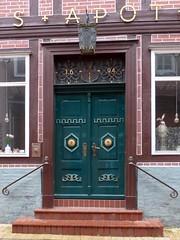 Raths-Apotheke --council  pharmacy (Anke knipst) Tags: lauenburg germany tür grün green rathsapotheke apotheke pharmacy elbstrase64