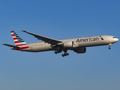 American Airlines | Boeing 777-323/ER | N722AN (MTV Aviation Photography) Tags: american airlines boeing 777323er n722an americanairlines boeing777323er aa londonheathrow heathrow lhr egll canon canon7d canon7dmkii
