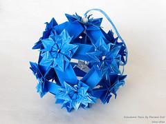 Tsuru by Flaviane Koti (irina_chisa) Tags: origami kusudama