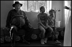 peuple roms. (alainboucheret) Tags: rome roma peuple vie discrimination village ukraine roumanie gitans ville rude persécution homme femme enfants rue street