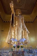 Shweyattaw Buddha Mandalay hill (Patrick Doreau) Tags: buddha bouddha statue religion asie asia orngold mandalay birmanie myanmar