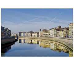 _PXK0128bwtm (Concert Photography and more) Tags: 2018 italy pisa arno river lungarno town city buildings architecture royalvictoriahotel hotel pentax pentaxk1 landscape townscape building water sky hdpentaxfa50mmf14sdmaw