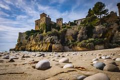 Tamarit Castle (Salva Pagès) Tags: castell castillo chateau castle playa platja beach plage tamatit tarragona pedres piedras stones pierre tarragonès catalunya catalonia