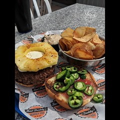 Pineapple Popper at Bad Daddy's Burger Bar. Angus beef patty, cream cheese, pineapple, fresh jalapenos, and strawberry habanero jam. In this case with their home made chips and French onion dip. Taken on 3-26-19, at Bad Daddy's FlatIrons in Broomfield, Co (oooshinyphotography) Tags: pineapplepopper chips foodies foodphotographer beef creamcheese habanero broomfield burgerporn foodphotography oooshiny pixel2xl flatirons burger colorado foodforthesoul jam foodtography foodie angusbeef baddaddysburgerbar strawberry baddaddys frenchoniondip food oooshinyphotography foodporn pineapple foodgasm jalapenos