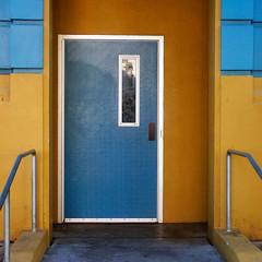 soma door (msdonnalee) Tags: door doorway entry entrance entrada puerta porta porte tür bannister geometry