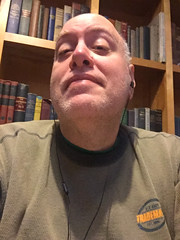 Day 2488: Day 298: With books (knoopie) Tags: 2018 october iphone picturemail books toppotdoughnuts doug knoop knoopie me selfportrait 365days 365daysyear7 year7 365more day2488 day298