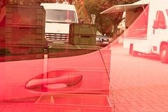 Boxenstopp (maywind72) Tags: bremen doppeltbelichtung farbfilter fotomarathon markt mehrfachbelichtung rot