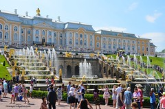 Peterhof Palace (hamid-golpesar) Tags: peterhofpalace palace garden fountain fountains stpetersburg saintpetersburg russia sky people peterhof peterhoffountainpark building landscape architecture owaysee outdoor iran tabriz travel hamid hamidowaysee hamidgolpesar