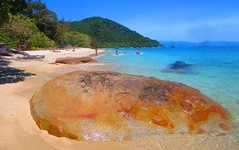 orange rock/blue ocean - Fitzroy Island,Queensland Australia (jeffglobalwanderer) Tags: beach water beachfront rockyshore rocks boulder sand queensland australia fitzroyisland greatbarrierreef bluewater orangerock tranquil