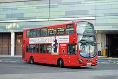 VW1387 LK62DTU (PD3.) Tags: white city shepherds bush westfield london shops shopping centre bus buses station england uk metroline volvo wright vw1387 vw 1387 lk62dtu lk62 dtu
