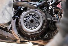 The new pressure and clutch plate installed =) (Skylark92) Tags: nederland netherlands holland noordholland northholland amsterdam peugeot 106 14i accent tsjl88 1998 onk diy gearbox change doe het zelf versnellingsbak wissel