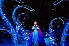 Elsa in Frozen - Live at the Hyperion - DCA (GMLSKIS) Tags: disney dca nikond750 anaheim frozen california themepark nikon