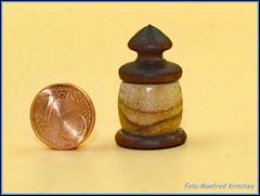 Minidose Deckel und Boden ist aus Bocote, der Korpus aus Teak-Holz.Gesamthöhe 30mm               Mini lid and bottom is made of bocote, the body of teak wood. Overall height 30mm (manfredkirschey) Tags: woodworking drechseln manfredkirschey