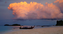 Latest ray of sunlight touching Cumulonimbus cloud (B℮n) Tags: kolipe kohlipe เกาะหลีเป๊ะ kohlippy adangrawi archipelago ploysiam speedboat national park kohturatao koturatao kohlipeh nationalparkkohtarutao tarutao bounty island thailand anadamansea sandy beach pakbara marinepark snorkling adang rawi tourism vacation holiday coral reef tropical fish nemo protectedarea chaolay chaoley boat palmtree coconuts crystal clear water seawater siam seagypsies longtail nature reserve province satun blue cyan thai sunrise bulowbeach deserted girl woman sunbathing lowseason rainyseason relax paradise swimming solitude unspoiled clouds happyplanet sunlight cumulonimbus 50faves topf50 100faves topf100