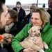 Karin Kneissl besucht die Hundestation von Gut Aiderbichl etwas außerhalb von Bucharest.