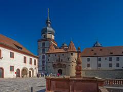 Würzburg am Main (Michael P....) Tags: würzburg festungmarienberg festung burg castle brunnen turm türme tor würzburgammain bayern deutschland