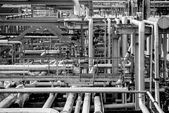 Pipeline Labyrinth (CoolMcFlash) Tags: pipeline bnw bw blackandwhite blackwhite canon eos 60d rohrleitung tamron b008 18270 sw schwarzweis fotografie photography chaos rohre construction industry industrie abstrakt abstract