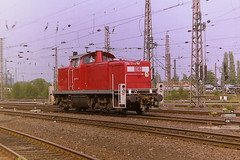 DB 294171-4 (bobbyblack51) Tags: db class 294 290 deutz bb heavy duty shunting diesel locomotive 2941714 2901718 bw hamm 2001