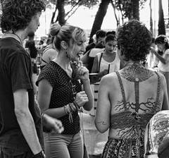 DSC09171 (O KDUKO) Tags: araraquara blackandwhite blackandwhitephotography pictureoftheday blackandwhitephoto photography bnwcaptures monochrome monochromatic bw bwstyles artgallery visualart bwphotooftheday photoshoot bwstyleoftheday aesthetics streetphotography arts rolefeira sonyilce3000 pessoas crianças