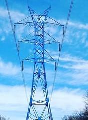 Blue Pylon (feldweg2008) Tags: sky blue lack pylon power strommast extrem hoch spannung gittersteigen kletterer monteur leitungsbau reise steeltower torre pole grid gittersteiger latticeclimbing freileitungsbau trasse